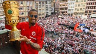 Download Eintracht Frankfurt bejubelt den DFB-Pokal am Römer Video