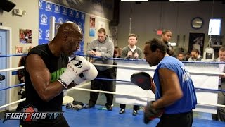 Download Bernard Hopkins working technique on the mitts w/John David Jackson ahead of final bout Video