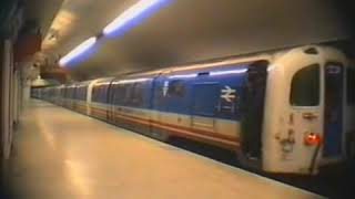 Download Waterloo & City Line (1) - Class 487 (built in 1940) Video