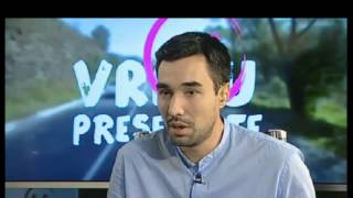 Download Cristian Tudor Popescu cîntă maneaua lui Mihai Eminescu. Video