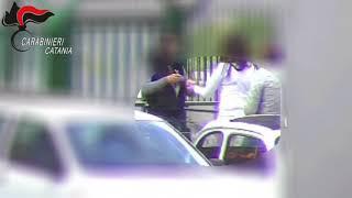 Download Operazione Km 0: blitz dei carabinieri nel fortino della droga, 36 arresti Video