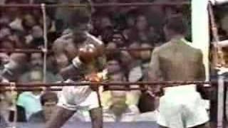 Download Sugar Ray Leonard vs Floyd Mayweather 09.09.1978 (1/4) Video