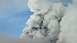 Download Эквадорцы эвакуируются из-за вулкана Котопахи (новости) Video