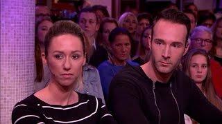 Download Kogel vliegt dwars door woonkamer van Mike en Indy - RTL LATE NIGHT Video