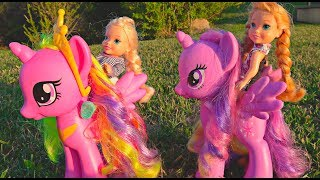 Download Elsa and Anna toddlers ride their bikes and the ponies- adventures with my little pony Video