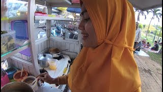 Download Indonesia Bekasi Street Food 2627 Part.1 Mbak Canntik Jual Seblak Srikandi YDXJ0905 Video