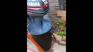 Download Yamaha 15hp 2 stroke 2004 very low hours first start in two months Video