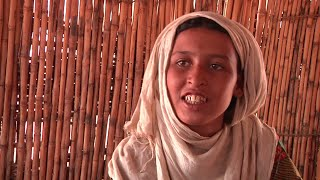 Download A Malian refugee girl in Niger chooses school over marriage Video