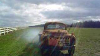 Download Old Studebaker truck comes to life after 30 years Video