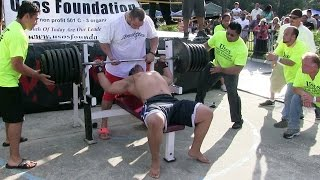 Download Man Attempts 725-Pound World-Record Bench Press Video