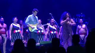 Download John Mayer opens with How Great Thou Art + New Zealand Kapahaka performance Video