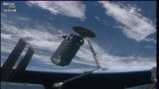 Download Orbital ATK Cygnus arrives at the International Space Station (ISS) - sped up footage Video
