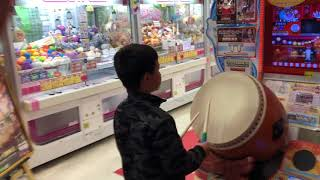 Download 7 year old is the Worlds Greatest Drummer | Taiko no Tatsujin - The Japanese Drumming Game Video