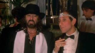 Download Delitto Al Blue Gay tomas milian bombolo scena divertente Video