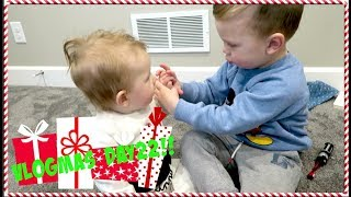 Download High Five For Christmas!! VLOGMAS DAY 22!! Video