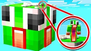 Download SURVIVING ON THE BIGGEST UNSPEAKABLE LUCKY BLOCK! Video