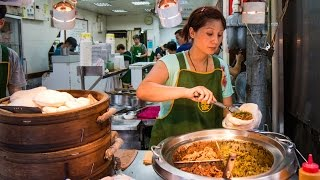 Download Taiwanese Pork Belly Sandwich at Lan Jia Gua Bao (藍家割包) - FAMOUS Taiwanese Street Food in Taipei! Video