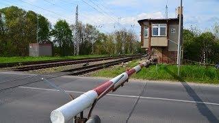 Download Zossen - Bahnhof noch mit alter Schranke Video