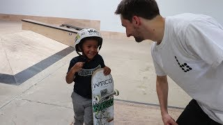 Download 4 YEAR OLD SKATEBOARDER LEARNS A TRICK! Video