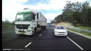 Download Tailgater On M2 Motorway has a Tantrum Video