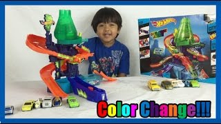 Download COLOR CHANGERS CARS Hot Wheels Color Shifters Splash Science lab kids video Ryan ToysReview Video