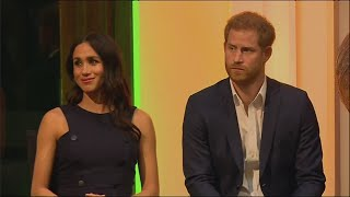 Download Harry and Meghan try welly-wangling in New Zealand Video