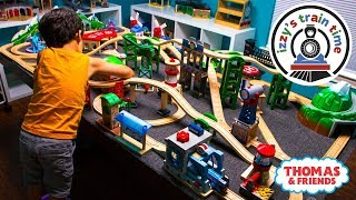 Download Thomas and Friends | New Thomas Train Wooden Railway Table with Brio! Fun Toy Trains for Kids Video