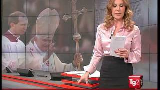Download Manuela Moreno Satin Blouse (no audio) Video