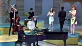 Download Sergio Mendes & Brasil 66 - Mas que nada (introduced by Eartha Kitt / Something Special 1967) Video
