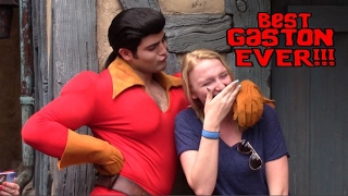 Download GIRL WON'T GIVE GASTON A KISS!!! - Walt Disney World - Gaston - Beauty and the Beast Village. Video