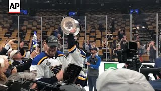 Download Blues' hometown hero Maroon celebrates with family Video