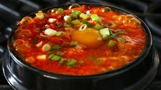 Download Kimchi soft tofu stew (kimchi sundubu-jjigae: 김치순두부찌개) Video