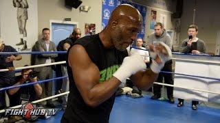 Download Hopkins vs. Smith - Bernard Hopkins' FULL shadow boxing & warm up routine Video
