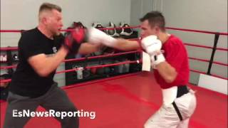 Download JONNY JARABEK KILLING THE MITTS!! IN CAMP FOR DECEMBER 17TH - EsNews Boxing Video