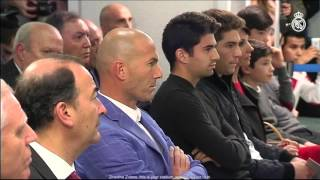 Download Florentino Pérez presents Zinedine Zidane as the new Real Madrid coach Video