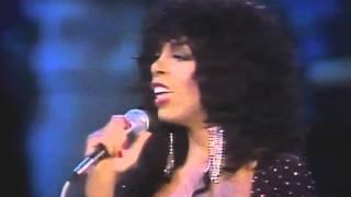 Download ドナ・サマー DONNA SUMMER - BAD GIRLS ~ HOT STUFF(LIVE 1983) Video
