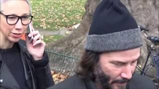Download Keanu REEVES @ Paris november 10, 2017 Photo Exposition / 10 novembre 2017 Video