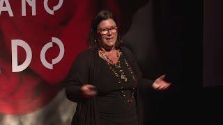 Download De quem é a culpa pelo fim do amor? | Andrea Pacha | TEDxBarraDaTijuca Video