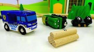 Download Машинки для мальчиков/ видео машинки онлайн! #МашиныПомощники ПРО ПОЕЗДА! Авария на железной дороге! Video