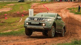Download [XEHAY.VN] Quán quân Dakar Rally trổ tài ″lái lụa″ cùng Triton và Pajero Sport tại Long An Video