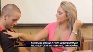Download Teste de Fidelidade: Ester tira a blusa e provoca testado com 'fartura' (7) Video