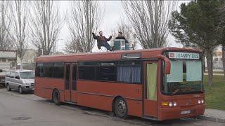 Download Un vecino de Fuenlabrada vive, literalmente, en un autobús Video