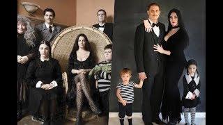 Download Disfraces de la familia Addams Video