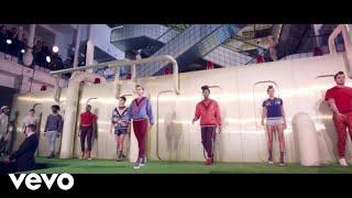 Download Stromae - Défiler (bande originale de la capsule n°5 Mosaert) Video