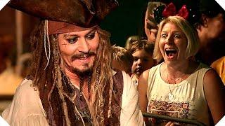 Download PIRATES OF THE CARIBBEAN 5 - Johnny Depp Surprises Fans at Disneyland ! Video