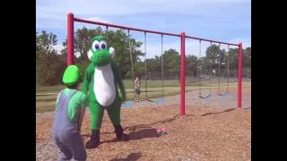 Download Luigi and Yoshi's day out at the park! Video