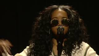 Download H.E.R. I used to know her tour LIVE in Los Angeles Video