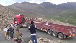 Download Chinese truck driver stuck on Babusar pass, GB, Pakistan Video
