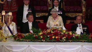 Download Queen Elizabeth II hosts state banquet for Colombia's Santos Video