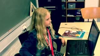 Download Dinosauren kommer i skole Video